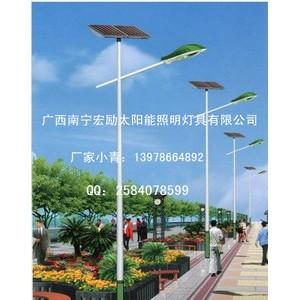 太阳能单臂灯杆供应【广西宏励照明灯具有限公司】