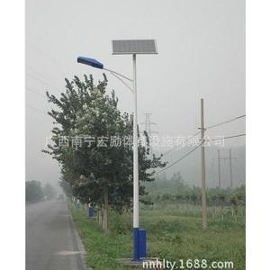 广西哪里有太阳能灯杆厂家?【宏励灯具有限公司】13978664893