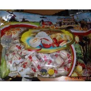156越南特产第一排糖椰蓉酥球(椰蓉