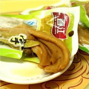 广西特产春江泡椒鸭掌42g香辣爽脆零食休闲小吃美味食品批发