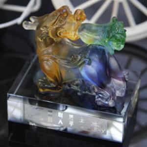 K9水晶香水座高档琉璃貔貅麒麟车龙 车内饰用品批发 高档汽车用品