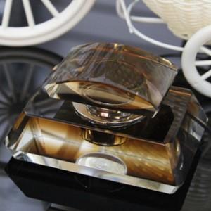 K9水晶香水座创意水晶博雅高档内饰用品批发高档汽车用品