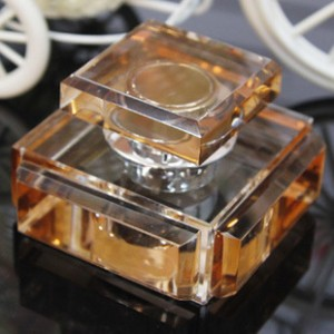 K9水晶香水座创意水晶四方王者高档内饰用品批发高档汽车用品