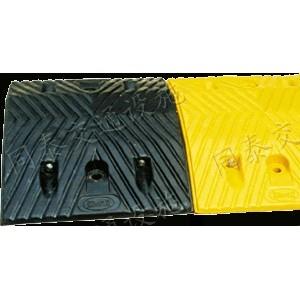 南宁可承受60吨车辆减速板 永不裉色减速带 耐重耐磨减速带