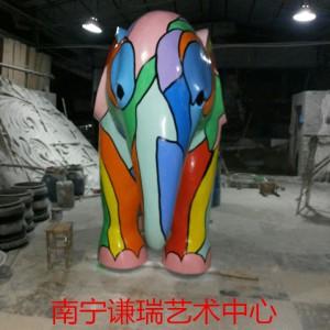 玻璃钢雕塑(南宁谦瑞)构件组合玻璃钢雕塑