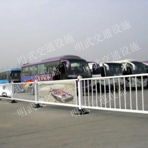 道路护栏(南宁明武交通)道路护栏大量批发